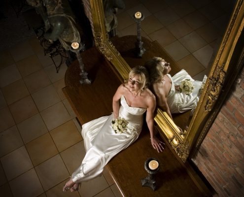 bride near mirron